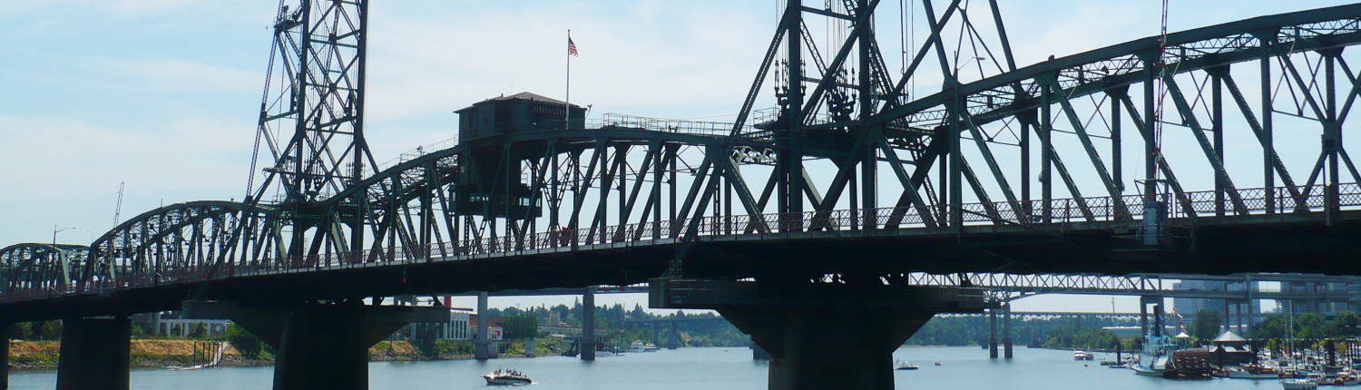 Hawthorne bridge in Portland OR, Portland Lawyer car accidents